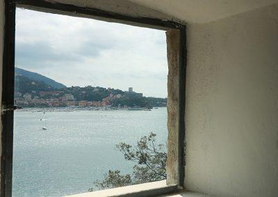 Mostra arte Lerici, castello di San Terenzo. Vista da finestra